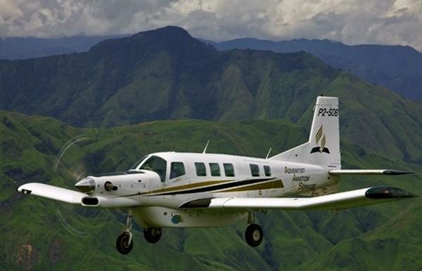 天维网8月16日报道 援引nzherald消息 近日,新西兰飞机制造公司Pacific Aerospace与北京通用航空有限公司做成了一单1300万美元的生意。据悉,北京通用航空向Pacific Aerospace订购了5架P-750 XSTOL型起降多用途飞机。   Pacific Aerospace与北京通用有合作关系,公司在汉密尔顿生产出的飞机零部件会在中国进行组装。Pacific Aerospace首席执行官Damian Camp称,去年与北京通信达成合作伙伴关系时,他们就已经瞄准了中国迅猛扩